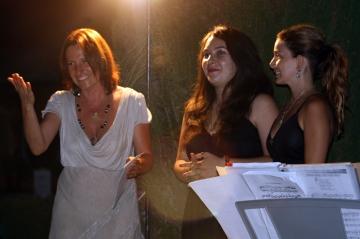 Maela e Margherita insieme a Francesca Venerosi Pesciolini
